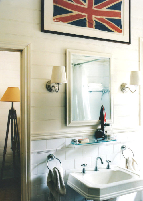 myidealhome:  your bathroom needs an union jack (via dustjacket attic)