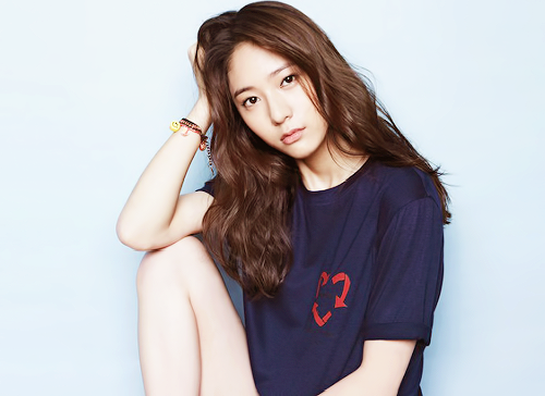 "Krystal's high school teacher reveals how she was as a student  Krystal's teacher: ""Krystal is a student who practices singing and acting a lot. I am proud of her."""