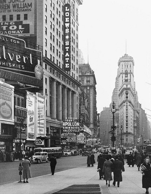 fuckyeahvintage-retro:  New York City, 1938