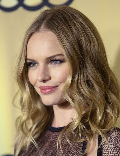 Loving the hair on celebrity Kate Bosworth. This simple tousled wave hair gives her look a soft natural beauty.