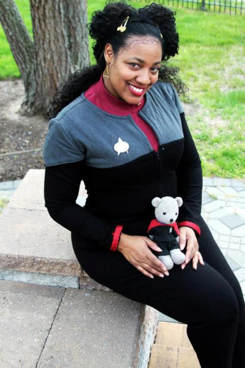 my newest star trek uniform i wore to the cherry hill star trek con! source: www.facebook.com/darlenamariecosplays