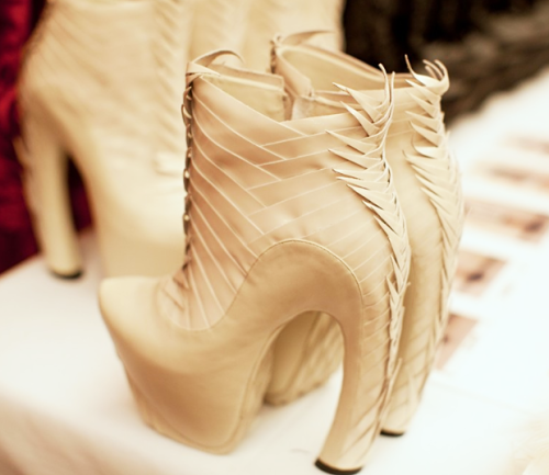 heelchorus:  » United Nude x Iris van Herpen 'Voltage'Hand crafted leather boots, Couture ss2013. [Image: silks and rags]