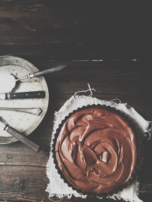 too-fabulicious:  homemade chocolate cake