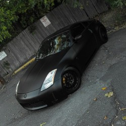 An shot back in 2011 of my homeboi's Z when I had my old #Fujifilm #S100fd camera. Not too shabby for a longed amateur. #flatsatinblack #350z #fairlady #fairladyz #jdm #VA #Nova #murderedout