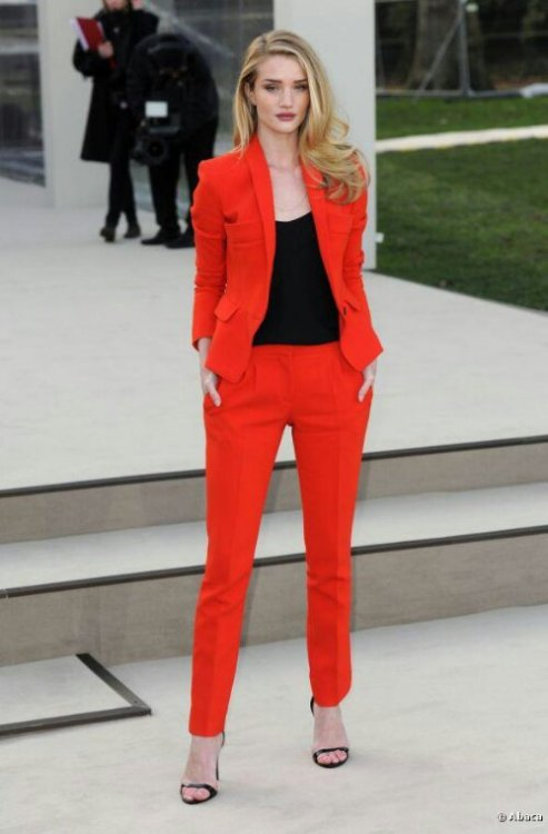 Rosie Huntington-Whiteley stunning in Burberry Prorsum Red suit from Burberry Prorsum Autumn Winter show 2013. I am totally in love ♡♡♡View Post
