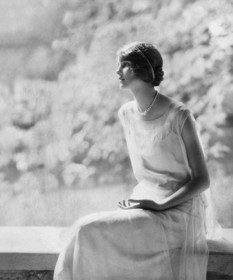 [Laura Biddle by Edward Steichen for Vogue 1924]