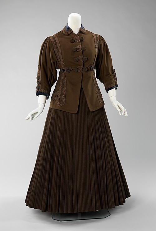 omgthatdress:  Day Suit 1907 The Metropolitan Museum of Art