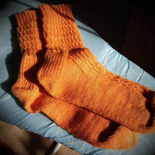 Finally finished this pair of Lacunae Socks that have been on the needles for way, way, way too long!  (Although they still need a wash and a blocking…) Next up will be a pair of John Huston Socks in lovely Verdant Gryphon Eidos in the deep, but lustrous red colorway Durga.  Also, I'm going to give the two at a time thing a try…