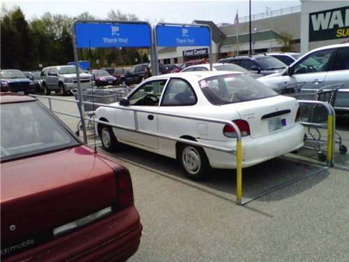 … I don't think you're allowed to park there… D