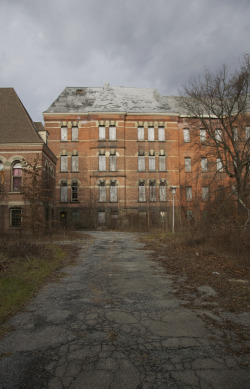 caitlinfawphoto:  Hudson River State Hospital Poughkeepsie, New York November 2012