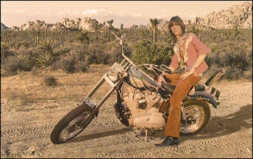 mellomymind:  Gram Parsons in Joshua Tree // Via Nudie Cohen