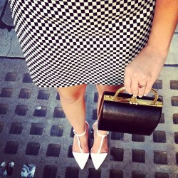 Work day in checkered board pencil skirt and white pointed toe heels! #ootd #ootdmagazine #zara #heels #skirt #clutch #fashion #instafashion #fashionblogger