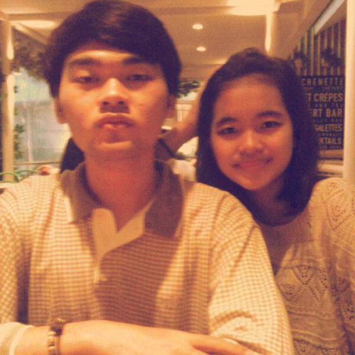 with @verdeanty @ Kitchenette, Senayan City (Photo taken and uploaded via MOLOME )