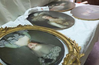 tiny-librarian:  Portraits waiting to be put into their gilded frames in preparation for the exhibition on Madame Elisabeth.