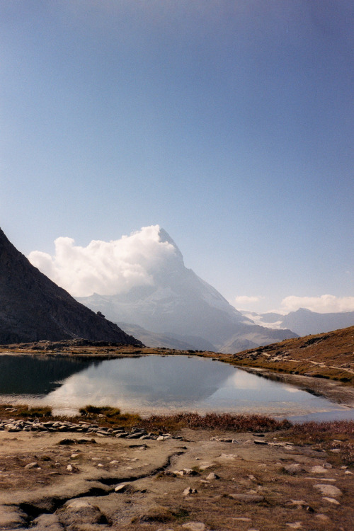strategics:  Riffelsee and Matterhorn (by linolo)
