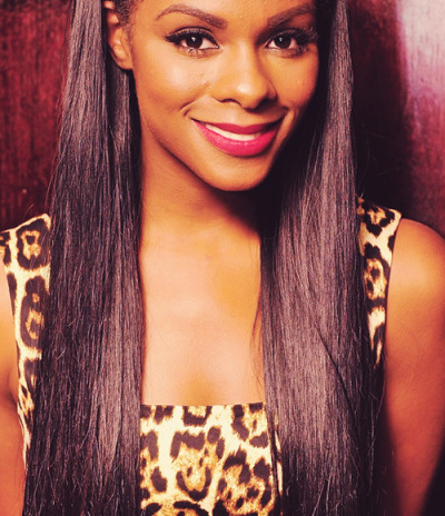 elitehaircompany:  She is gorg - her signature straight hair suits her best! Follow Elite Hair for more celeb-hair inspiration