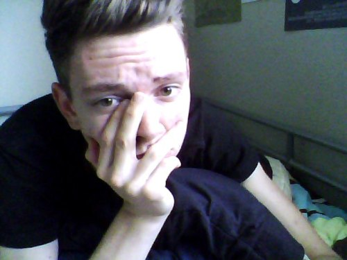 vinceypoopoo:  selfies instead of homework.