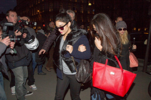 Selena, Ashley  and Vanessa arrive at the 'L'Avenue' restaurant in Paris, France.