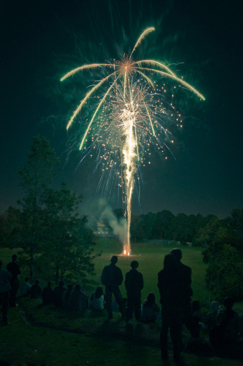 through-firework-eyes:  this summer ugh c: