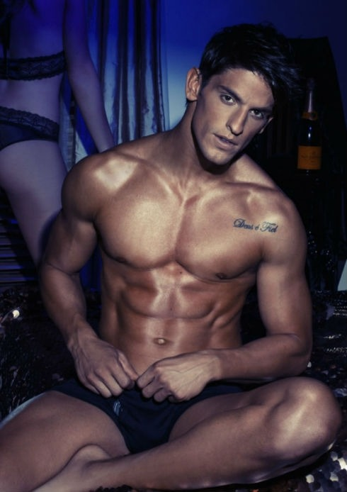 Brazilian hottie Miro Moreira returns to the DNA blog looking hotter than ever.  CLICK HERE for more images: http://www.dnamagazine.com.au/articles/news.asp?news_id=19308