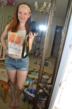 OOTD: I Want Summer. Shirt: American Eagle Shorts: American Eagle Bracelet: Etsy Headband: American Eagle Necklace: Kohl's
