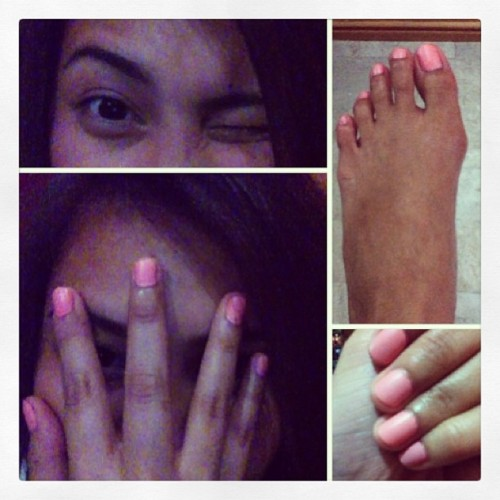 Thanks to #poshnails. I super lurve my nails. Excuse my ugly foot. Haha 💅#nailpolish #nails #pink #mattenailpolish #orly #instagood #instamood #igers #igdaily  (at Home Sweet Home)