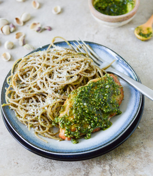 ambrosial-eats:  Pistachio Pesto Chicken with Whole Wheat Spaghetti