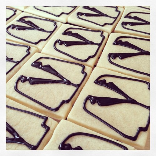 Break time! #sugarcookies #tuxedo #tuxcookies