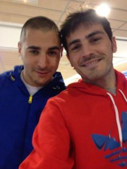 Con Benzema en el acto de hoy! // With Benzema in the act of today!