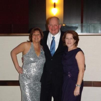 Evening With The Stars Coordinating Committee member Colleen Kelty, Paul, and Maureen at the VIP Reception. #autismspeaksCHI #EWTS #oscars