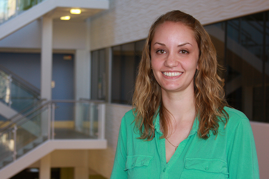 "Why Heather Shohet chose our Dual Degree Program ""As I was nearing graduation with a Bachelor of Arts in Chemistry from my previous school, I was nervous about which steps to take next. I didn't have a job lined up, and I also couldn't see myself starting grad school without a clear purpose or future direction in mind. Although I had always thought about going into ""Engineering,"" I still wasn't quite sure what that meant. It seemed like one of those words that people use all the time, even though no one really knows what it means except for the actual engineers. While making my decision, I spoke with a previous Dual Degree student who highly recommended the program, and I also consulted with my professors and a few professionals in the field about some other options I was considering. After realizing that everything else seemed uninteresting in comparison, I decided to transfer to Washington University in St. Louis to pursue my second degree in Chemical Engineering.  Although it was a challenging transition at first, it is definitely one of the best decisions that I have ever made. The classes are engaging, the staff is always there to help, and every student in the program genuinely wants to succeed and go on to do great things. The schedule has been extremely demanding, but definitely worth it for the knowledge and experience I have gained that will help me in my future career as an engineer. In addition, because of connections I made through Wash. U. and also with the help of the Career Center, I was able to line up an internship with one of the major oil companies, and recently received an amazing offer for a full-time position after graduation."" Heather ShohetYear: Class of 2013Major: Chemical EngineeringAffiliated School: Williamette University Learn more about the Dual Degree Program at Washington University in St. Louis."