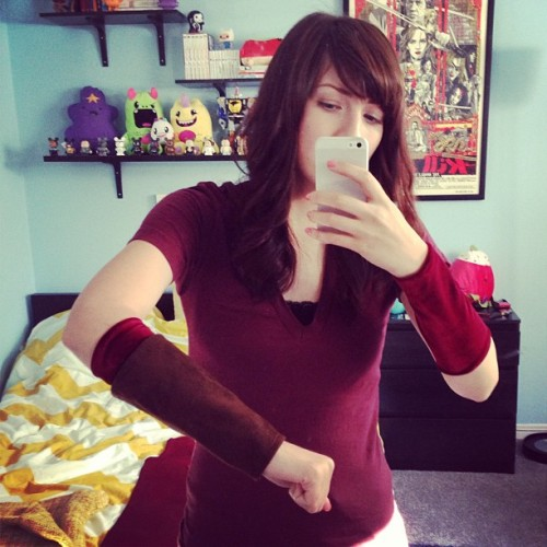 New velvet bracers for my link cosplay :)