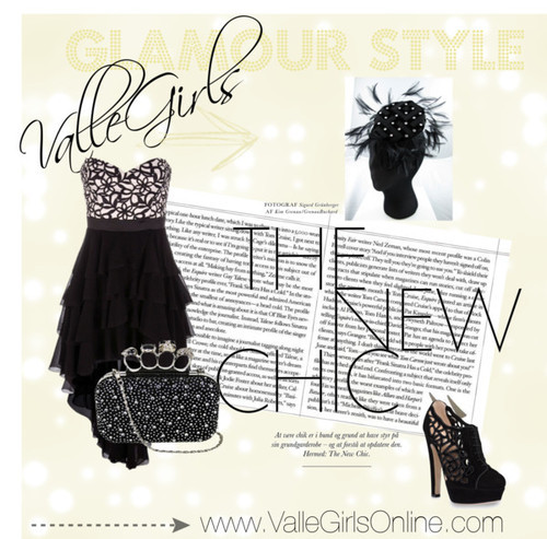 Who doesn't want to make a statement coming into a new year? As Valle Girls, you know that the bigger the statement, the bigger the smile! A smile paired with this hatband by Lady Valle is the best accessory with this dress and matching heels! Now all that's left is to find the best person to kiss… hmmm….
