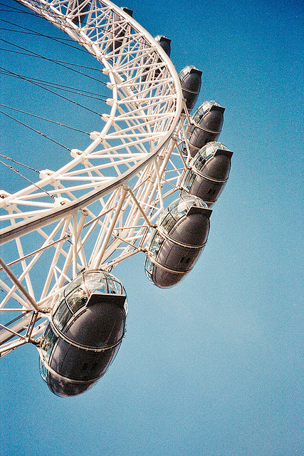w4lrusss:  London Eye by AndyWilson on Flickr.