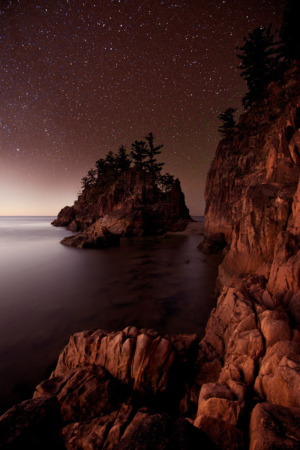 0mnis-e:  Dolphin Point under the stars, By Jérôme Berbigier.