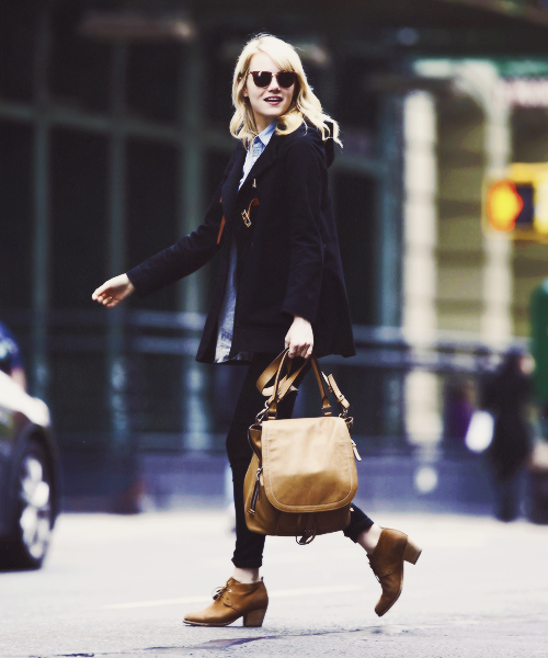 Emma Stone taking a walk in New York City, 23/04/2013
