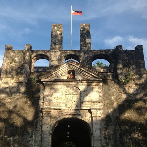 architectpatty:  Fort San Pedro. #Cebu #travel #phil #flag (at Fort San Pedro)  Visit Fort San Pedro. Travel!!!