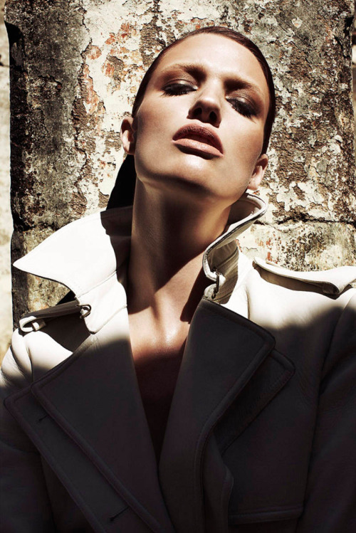 (via Kara Erwin is Equestrian Chic for Marie Claire Latin America by Vladimir Marti | Fashion Gone Rogue: The Latest in Editorials and Campaigns)