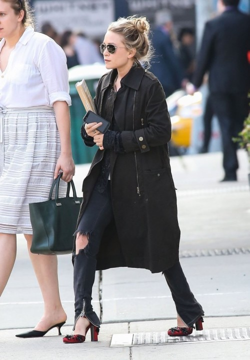 fashionandbones:  Mary-Kate Olsen in New York City