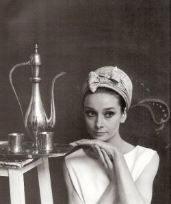:: tea, the Audrey style