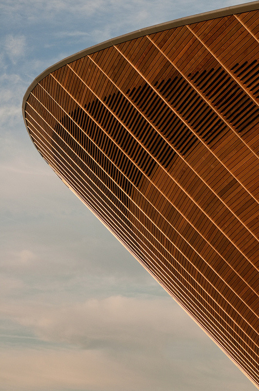 vurtual:  Velodrome cladding (by Darrell Godliman)Timber cladding on the side of the Hopkins Architects designed London 2012 Velodrome.