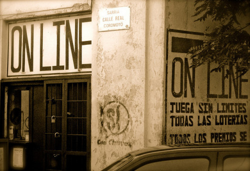 una esquina de Caracas… by maria_daniela on Flickr.#Caracas
