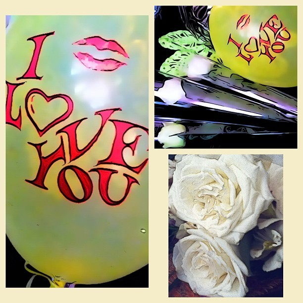 Mother's day gift! Love you ma! 👩😍💋💐🎈#mothersday#whiteroses #balloons #iloveyouma