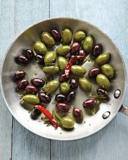 e-d-i-b-l-e:  Warm Marinated Olives