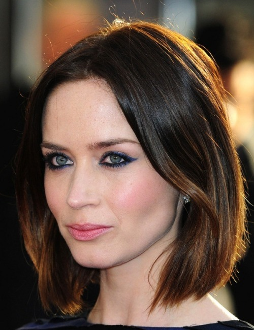 haygirlhay:  thedrybar:  Emily Blunt rockin' the long bob - love!  Have a hair appt this week and wasn't entertaining anything but a clean up of my ends until I saw this.  Maybe someday. Though whenever I tell him I have a haircut appointment my boyfriend looks fearful.
