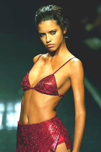kalories:  Young Adriana Lima