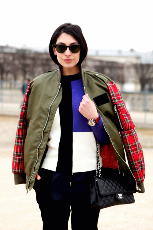 ivsmanifiesto:  Get Anna's look: Ray-Ban sunglasses, tartan bomber jacket,  graphic paneled jumper, black trousersand black pumps.