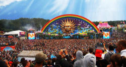 17-19pm:  Tomorrowland sur We Heart It. http://weheartit.com/entry/58200626/via/heavenonheart