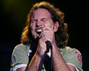 i just found this picture of eddie vedder looking like a chipmunk and it needs to be on my blog sorry