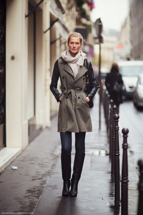 Toni Garrn in Paris…